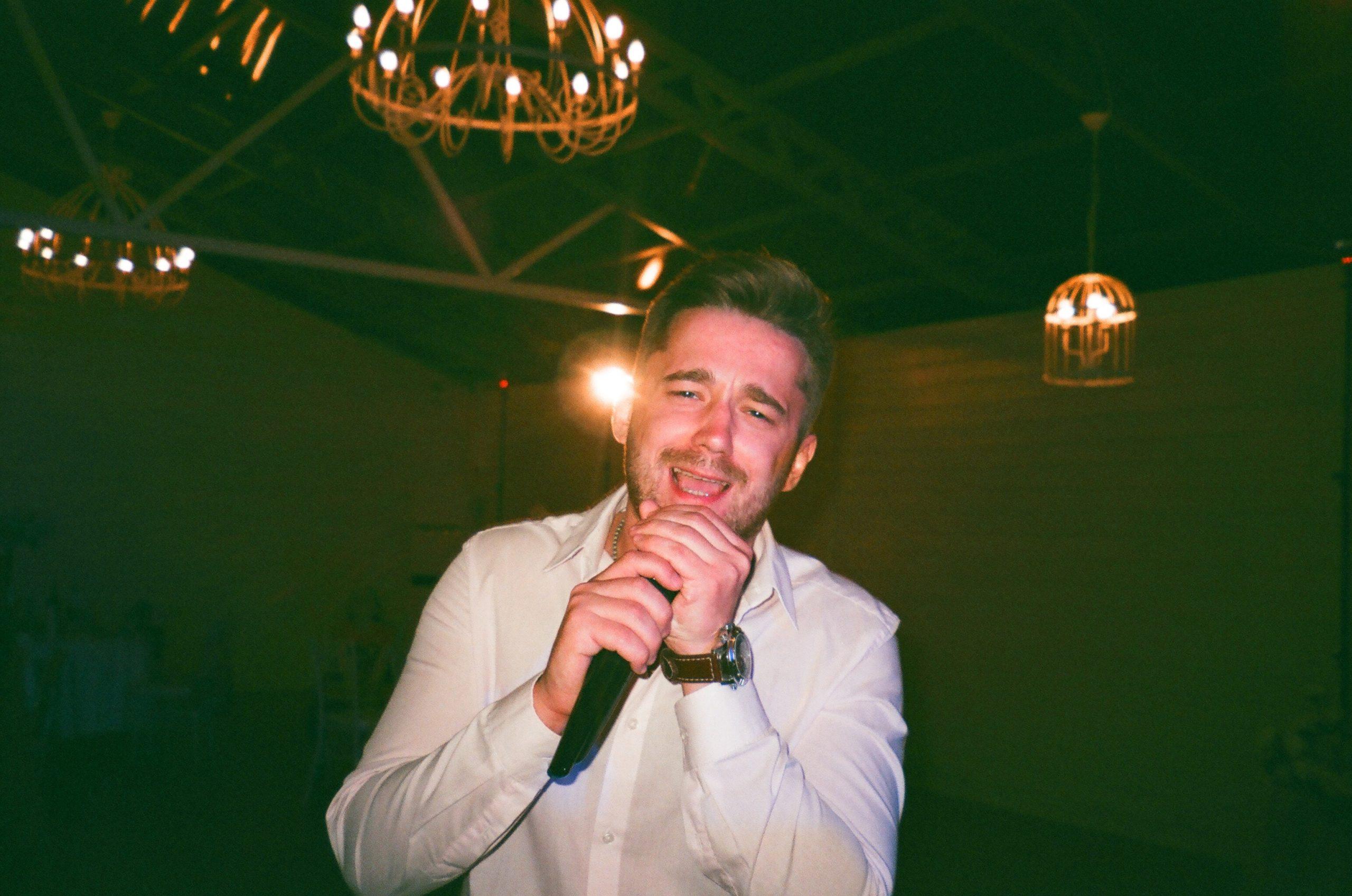 Karaoke vocalist - Dj Gary Mayo Disco Preston